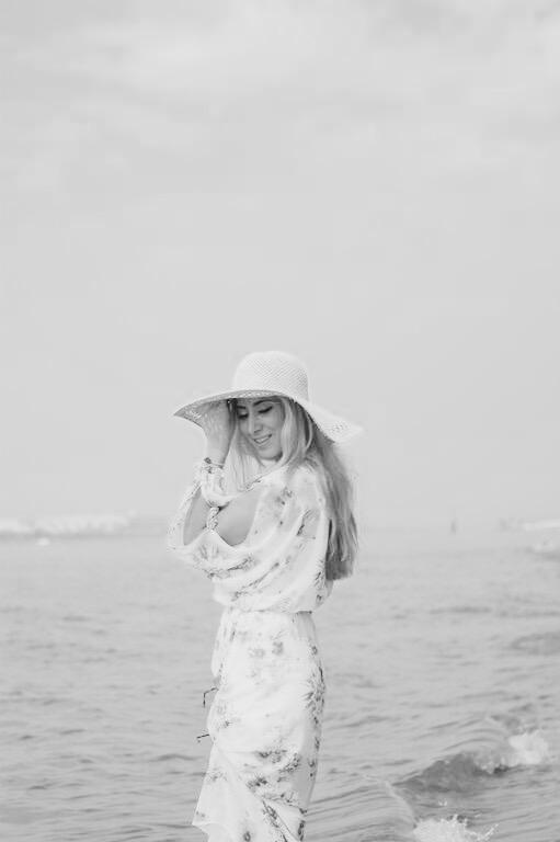 BeachOutfitblackandwhite